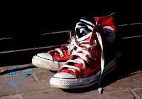 piros cipő