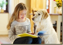 olvasó kislány_kutya