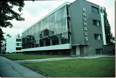 A dessaui Bauhaus épület_400x268e