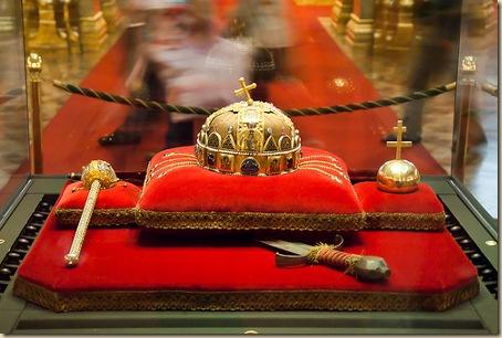 magyar koronázási ékszerek XI-XV. század. Budapest, Parlament
