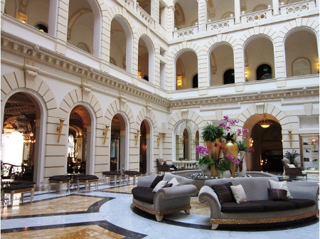 Lobby_of_the_New_York_Palace_Hotel_Budapest