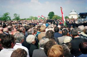 Horthy_Miklós_újratemetése_-_Kenderes,_1993.09.04_(4)