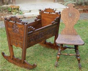Galánfi_Kalotaszegi bölcső és szék