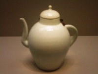 Joseon_white_porcelain_ewer