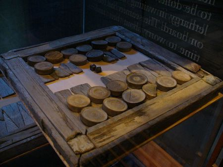 640px-Vasa-backgamon