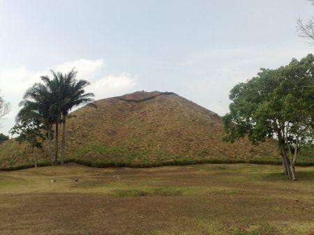 La_Venta_Pirámide_cara_norte