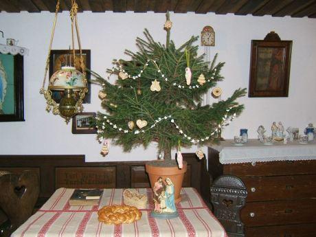 Karácsonyi_asztal_a_Csornai_Múzeumban