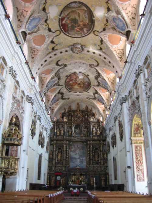 Nagyszombat-Egyetemi templom belső