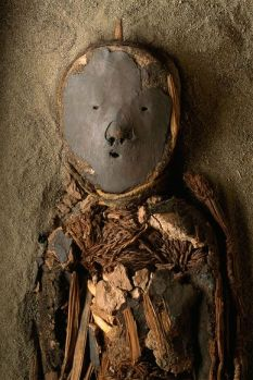 death-cult-mummies-desert-paste-faced-child