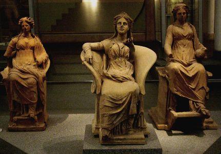 etrusz terrakotta szoborcsoport