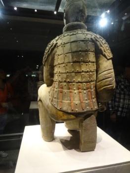 Terrakotta katona hátulnézete
