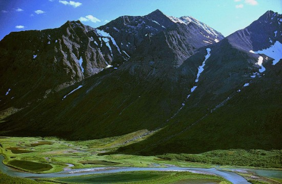 The Piellorieppe mountain and the Rapadalen valley