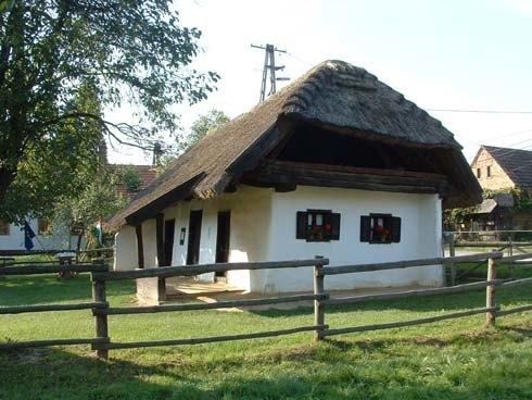 magyarszombatfa-fazekashaz1