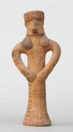 Álló alakot mintázó szobrocska