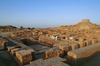 Greet Baath, Mohenjo-daro