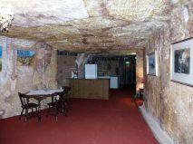 Föld alatti lakás