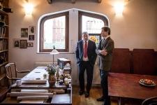 Orbán Viktor miniszterelnök és Makovecz Pál