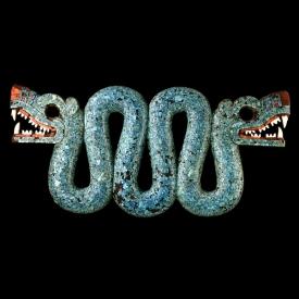 Kígyós melldísz