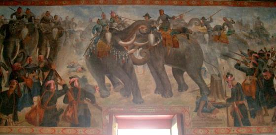 Elephant csata a Naresuan és a Mingyi Swa, mint falfestmények Phra Ubosot, Wat Suwan Dararam, Ayutthaya, Thaiföld.