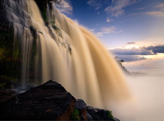 Hacha Falls, Venezuela