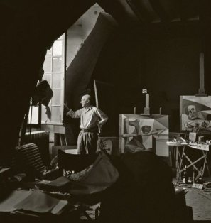 Pablo Picasso in his atelier, Paris 1948. Herbert List
