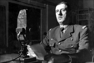 de Gaulle in BBC studio, 1940