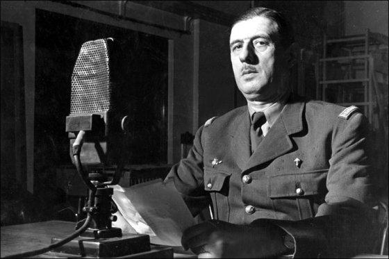 de Gaulle in BBC studio, 1940