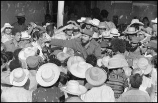 Fidel Castro in the road, 1959