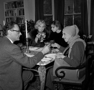 A great encounter in 1959 with Arthur Miller's wife Marilyn Monroe, Carson McCullers and Tania Blixen.