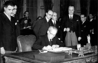 A párizsi békeszerződés aláírása, 1947. február 10., Párizs ( fotó:MTI)
