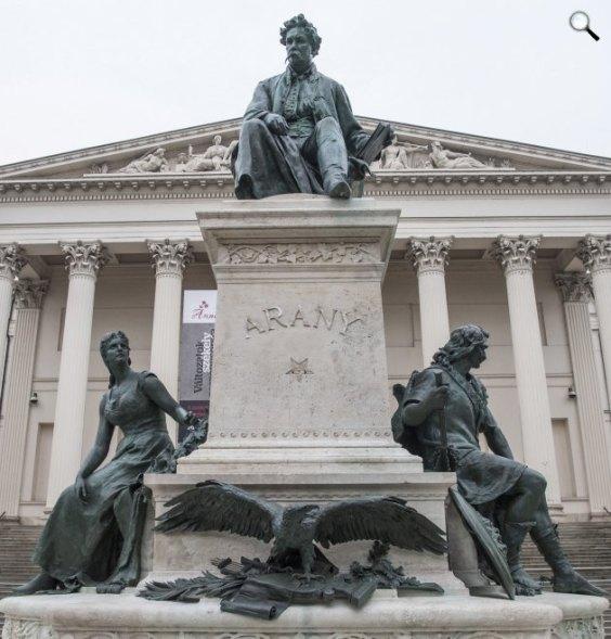 A statue group of Alajos Stróbl János Arany