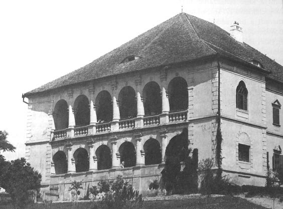 The main facade of the castle of Bethlenszentmiklós
