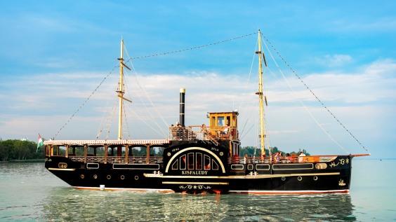 Kisfaludy Paddle Steamship