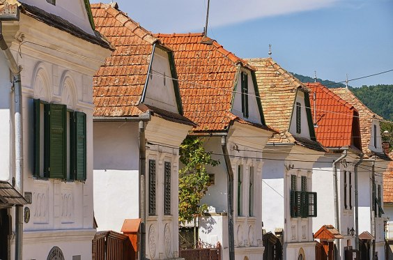 The snow-white stone houses of the upper market, which made the village famous
