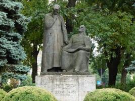 The two Bólyai statues in Târgu Mureş