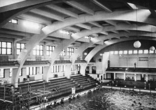 the Margitsziget National Sports Swimming Pool anno