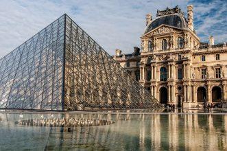 Louvre- Grande Pyramide